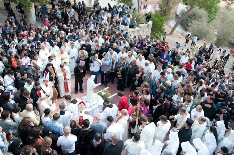 I cristiani a Deir Rafat per la Madre della Terra Santa
