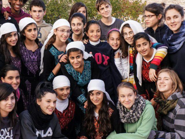 A Betlemme – Beit Sahour accompagnati da coetanee palestinesi
