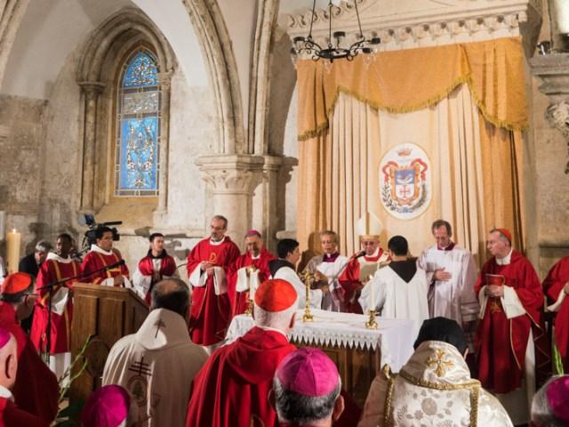 La messa al cenacolo con Papa Francesco