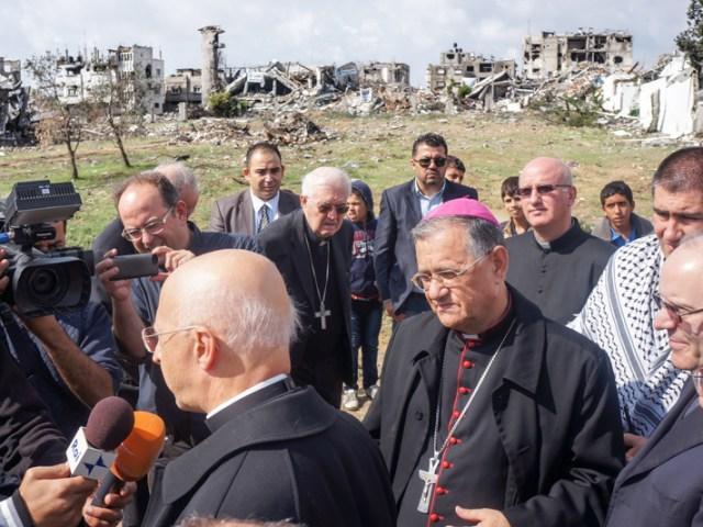 Gaza, vescovi tra le macerie