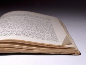 book-798488_1280