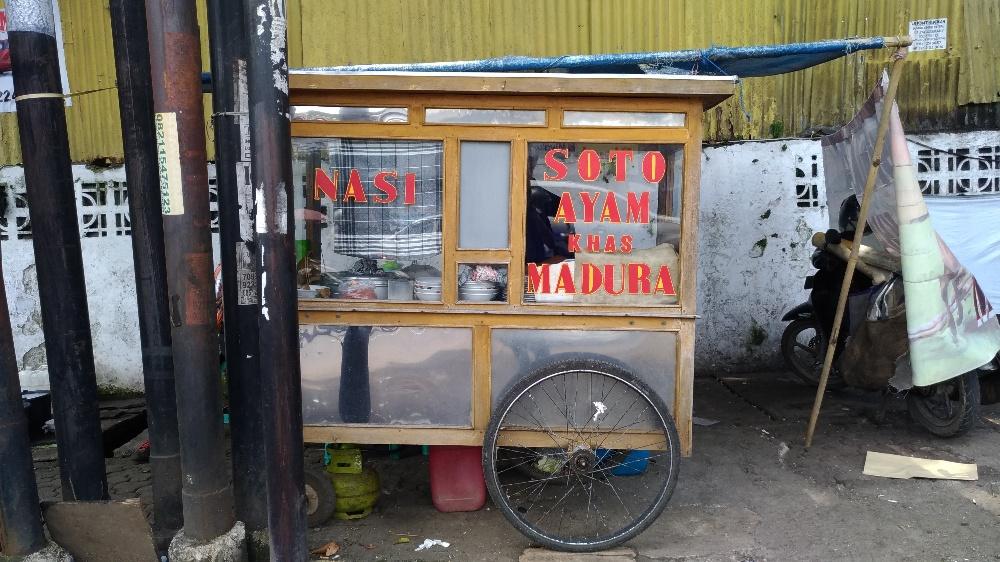 Dibungkus: Soto Ayam Madura (Simpang Dago)