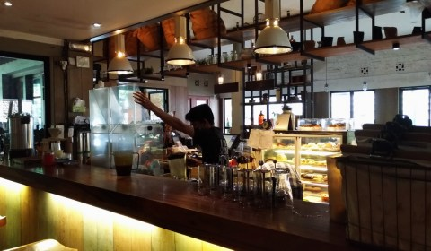 Brunch Sambil Menikmati Kopi Enak, Two Cents Coffee.
