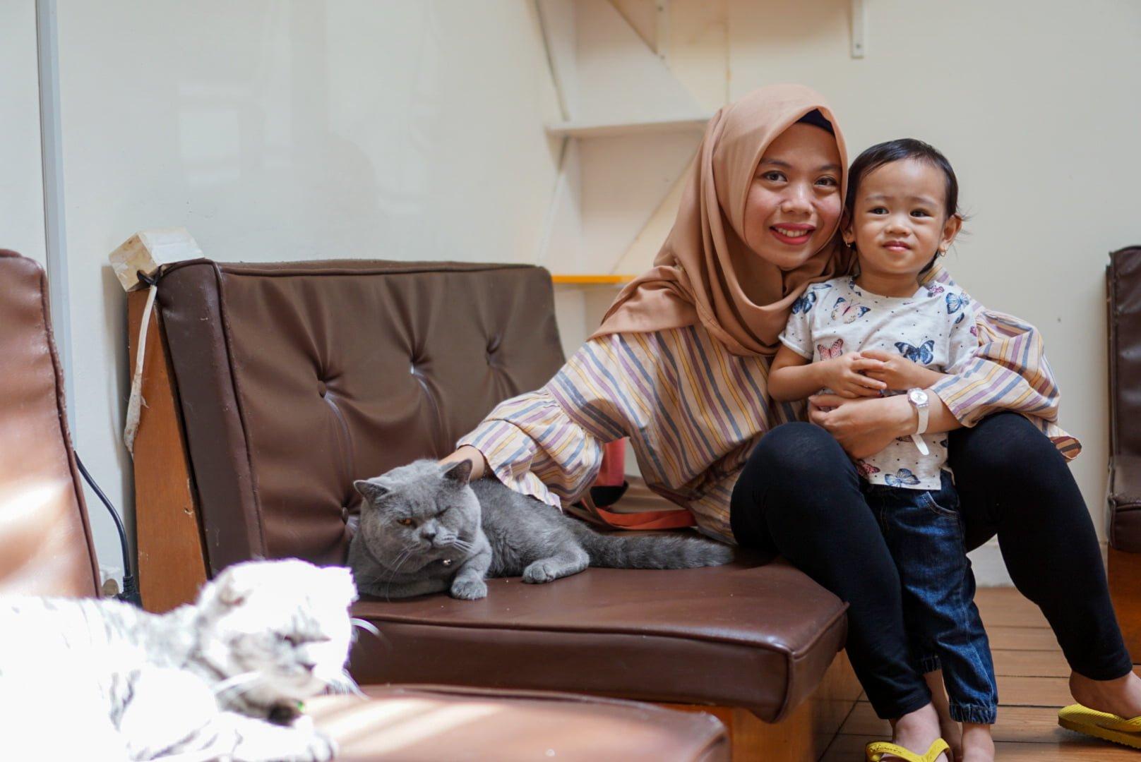 Cats and Ice Cream – Menikmati Es Krim sambil Bermain dengan Para Kucing