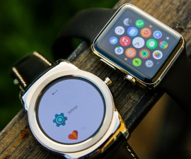 software of Android Wear and Apple Watch