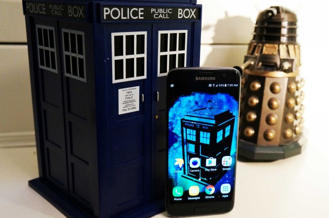 dr-who-wallpaper-wednesday Grab your sonic and go for an adventure with these Doctor Who wallpapers! Android