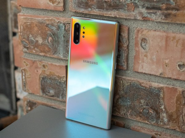 Samsung sends accidental
