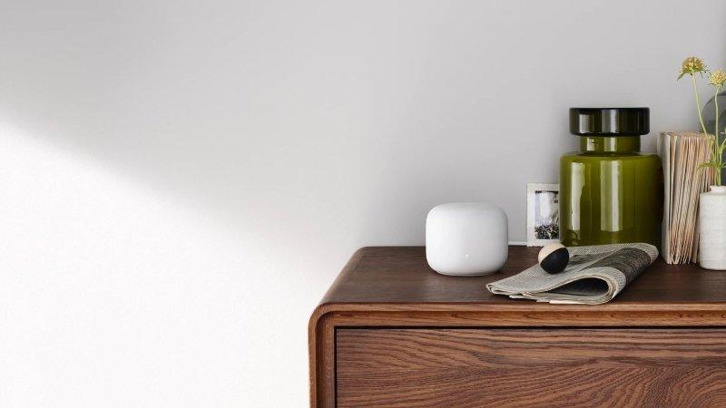 Google Nest Wifi se fondant dans