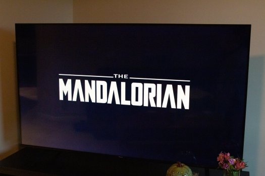 Hisense H65G Series TV Mandalorian Title Screen