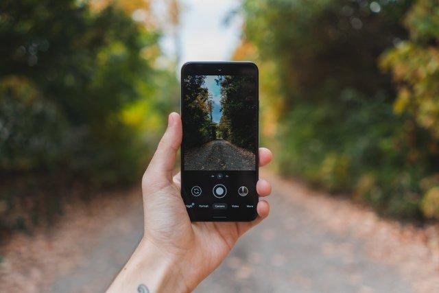 Pixel 5 camera software in-hand