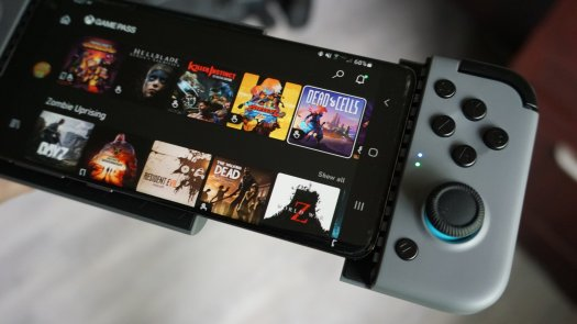 Gamesir X2 Bluetooth Mobile Controller With Phone