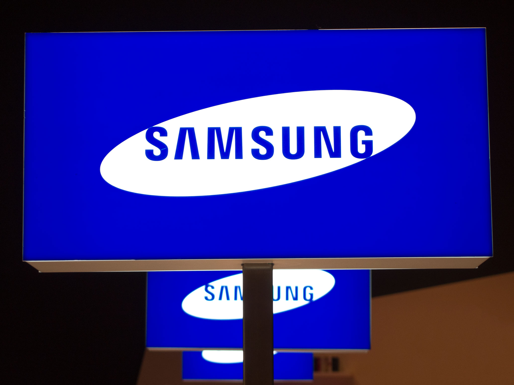 Samsung predicts more declining profits in Q4 2014 guidance report