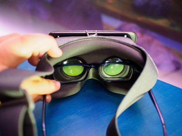 Eyes in Googles Daydream View