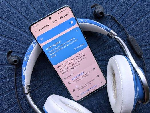 Galaxy S20 Review Dual Bluetooth Headphones