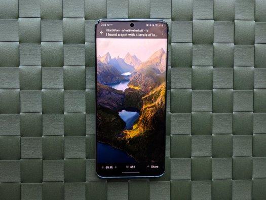 Galaxy S20 has a vibrant screen