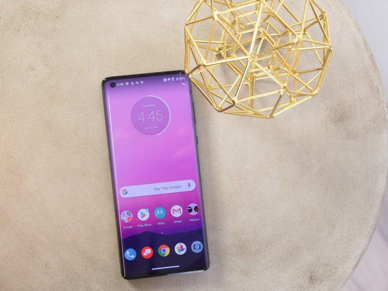 Motorola Edge Plus Hands On