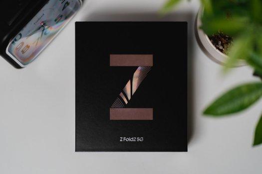 Samsung Galaxy Z Fold 2 box