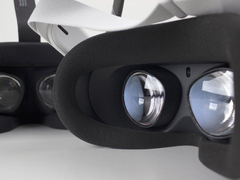 Oculus Quest Vs Quest 2 Inside Lenses On