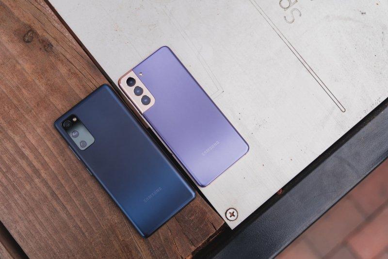 Samsung Galaxy S21 vs. Galaxy S20 FE