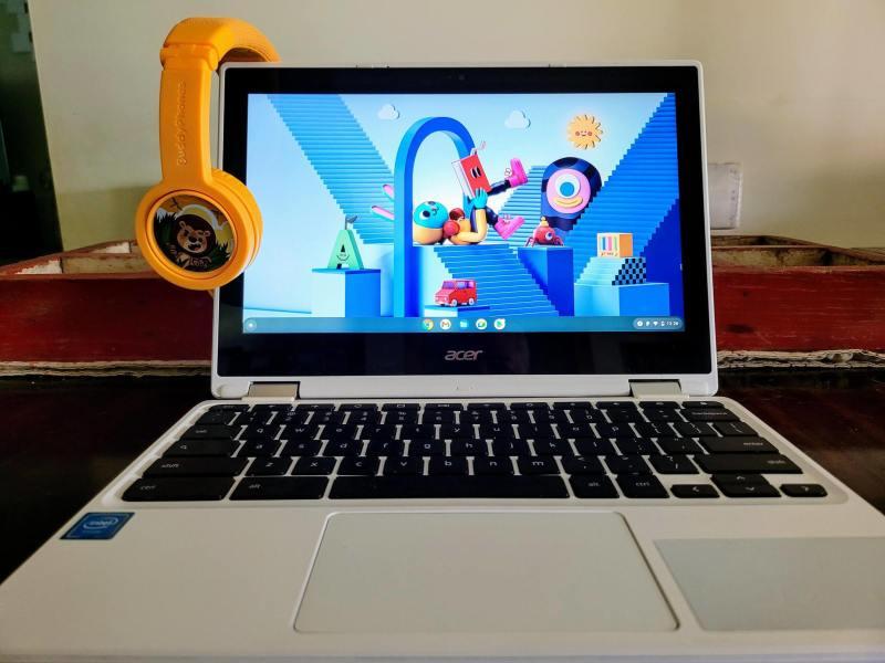 Chromebook Kids Lifestyle