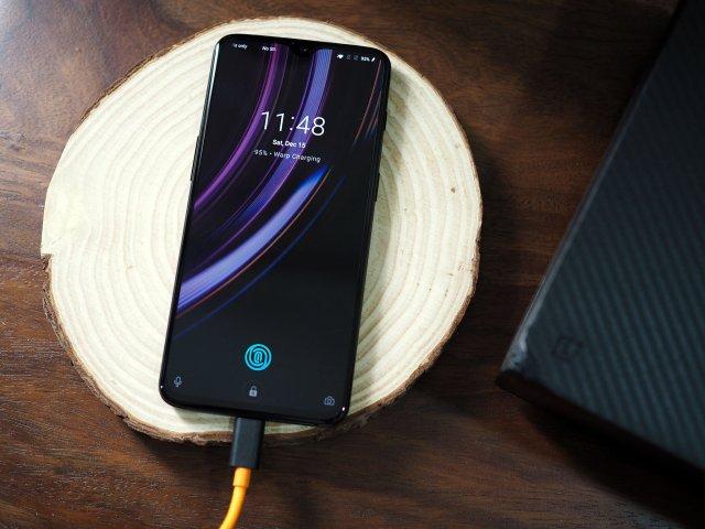 Resultado de imagem para OnePlus wireless charging