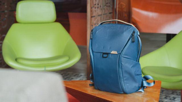 Peak Design Everyday Backpack 20L v2 in Midnight Blue