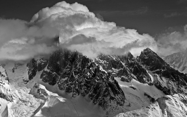 nature-landscapes-mountains-monochrome-black-white-sky-clouds-wallpaper-1