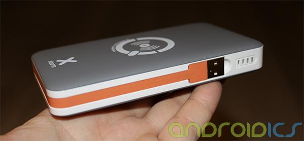 Xtorm-Wireless-Power-Bank-8000