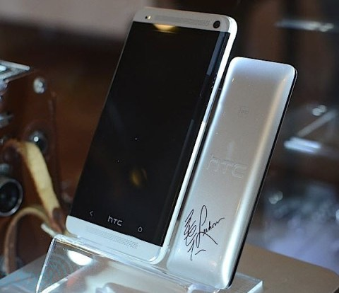 HTC-One-Lee-Hom-limted-edition