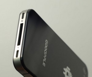 Das Gooapple Android-Phone sieht dem iPhone zum Verwechseln ähnlich; Quelle: Gooapple