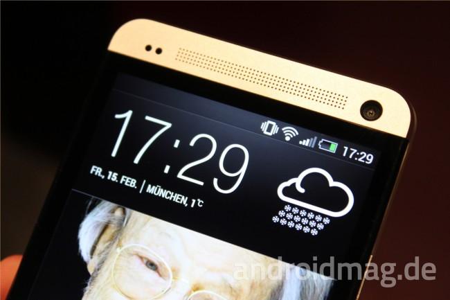 Homescreen à la HTC: Die Schaltzentrale von Sense 5 ist der BlinkFeed. In diesem werden nicht nur klassisch Infos zu Uhrzeit, Datum und Wetter angezeigt, sondern auch News von diversen Online-Quellen. Foto: androidmag.de