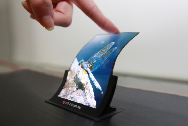 Vielleicht noch diese Woche Realität - das verformbare Display von LG (Bildquelle: Engadget)