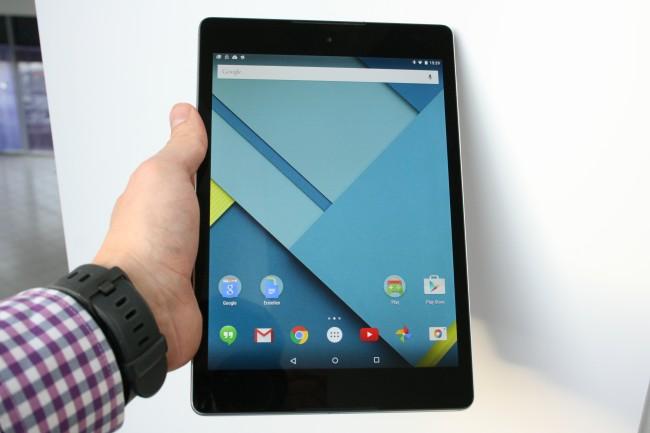 Mit einem Seitenverhältnis von 4:3 eignet sich das Nexus 9 hervorragend zum Lesen und Arbeiten. Beim Ansehen von 16:9 - Videos ergeben sich leider schwarze Balken oben und unten.
