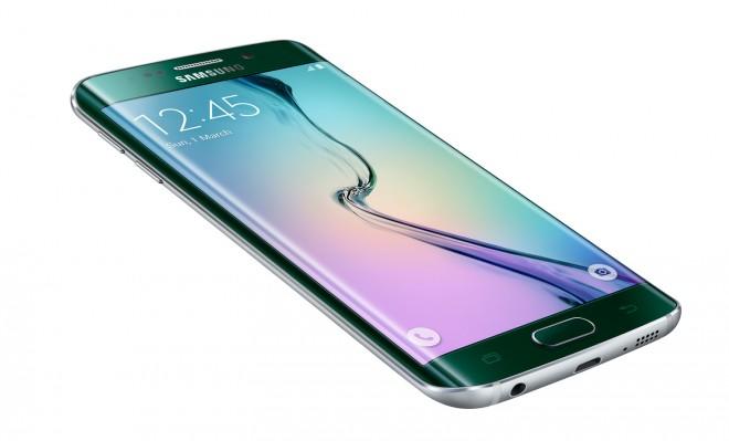 Das Galaxy S6 Edge, baugleich mit dem S6, konnte dank seines Exynos 7420 dem HTC One M9 mit Snapdragon 810 in allen Bereichen davon rennen.