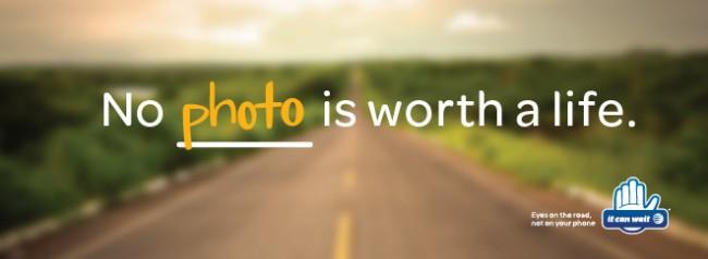 17 Prozent schießen während des Fahrens Fotos. Und 12 Prozent fertigen Videos an. 27 Prozent der Videofilmer sind der Meinung, dies stelle kein Risiko dar. (Foto: AT&T)