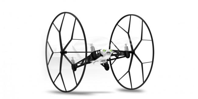 Ideal zum Üben: Mit angebrachten Rädern rollt die Drohne am Boden, an Wänden oder an der Decke entlang.