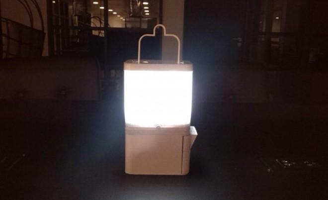 Lampen lassen sich bis zu 8 Stunden mit Strom betreiben (Foto: www.salt.ph)