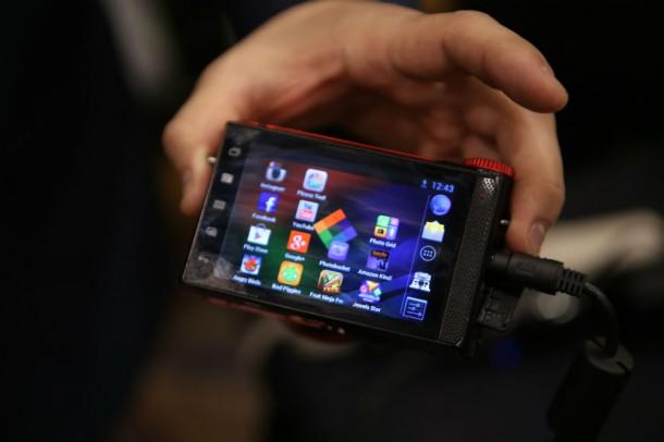 Der Touchscreen der Polaroid Kameras besitzt eine Diagonale von 3,5 Zoll. Foto: Techcrunch.