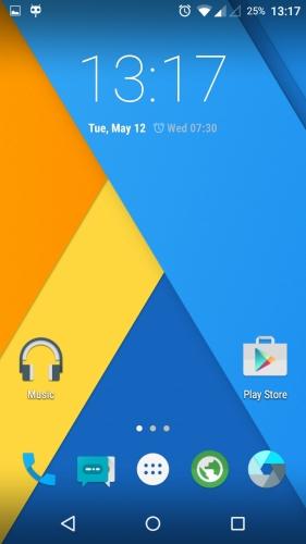 MotoG-XT1033-CyanogenMod-121-Homescreen