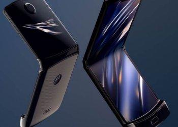 Moto razr 2019 foldable phone