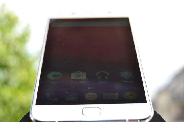 DSC_0415 REVIEW display UMi Touch si comparat cu UMi Super, tot partea de display