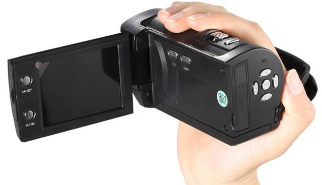 678 Andoer Mini, camera video clasica cu filmare HD si pret mic