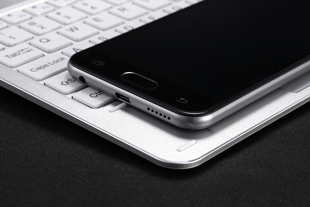 M HORSE C9 Pro, compania revine cu un nou telefon aratos!