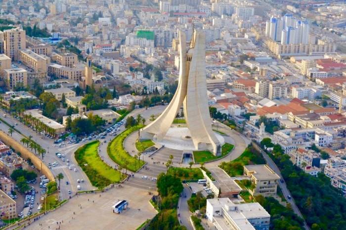 الانتقال التقني في الجزائر الآفاق و التحديات
