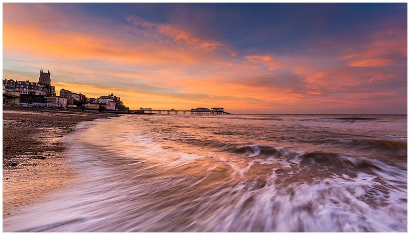 http://www.andydavisonphotography.co.uk/cromer-sunset-calm-storm/