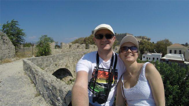 Селфи на фоне Дворца Великих Магистров. Родос.