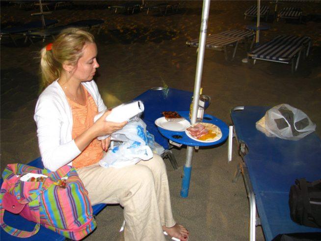 Ночной пикник на обочине Средиземного моря. Фалираки.
