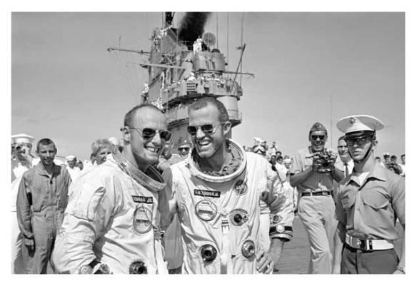 """Charles """"Pete"""" Conrad et Gordon Cooper - Gemini V"""
