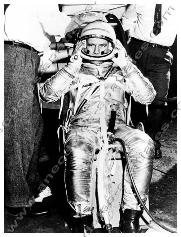 Deke Slayton fait des essais de combinaisons à B.F Goodrich (1960)