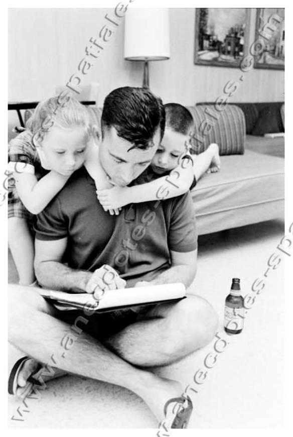 John Young et ses enfants